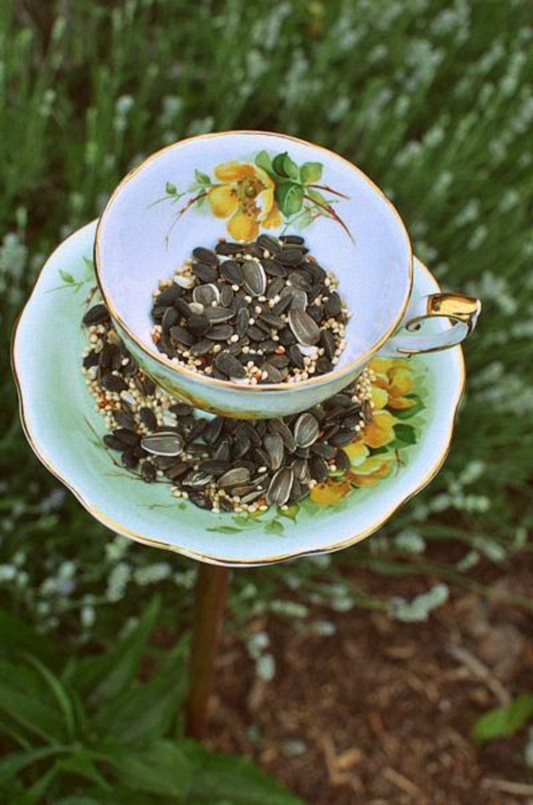 Futterhäuschen für Vögel porzellan teetassen