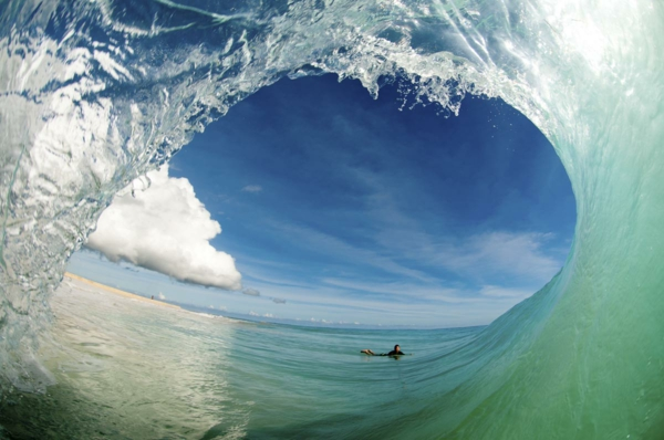 wasser surfer foto chris burkard fotografie