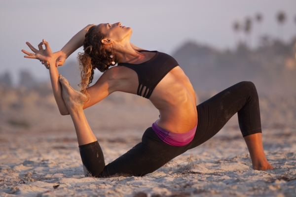 yoga Kalorienverbrauch beim Sport gleichgewicht und abnehmen mit yoga