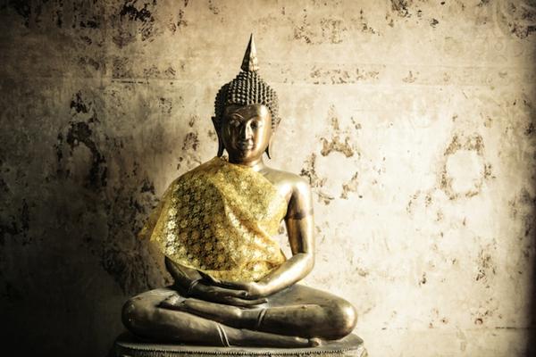 yoga entspannung buddha statue