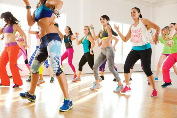 zumba Kalorienverbrauch berechnen sport treiben zumba kurs