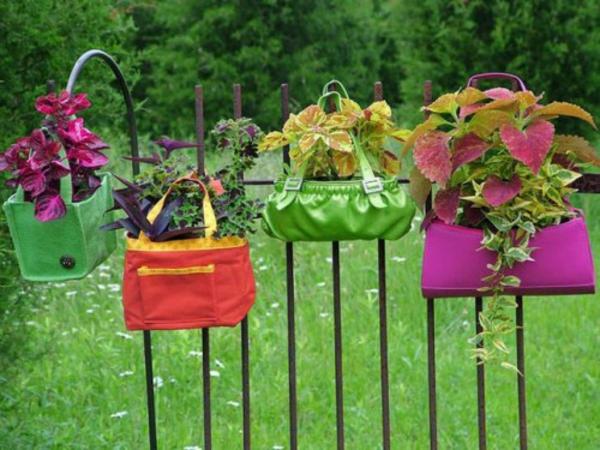 draußen basteln pflanzkübel klein damentaschen Blumentöpfe