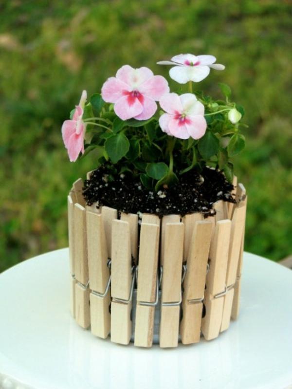 Blumentöpfe für draußen basteln wäscheklammern