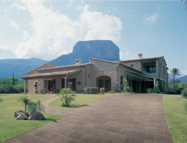 Feinsteinzeug Fliesen aus Italien von La Fabbrica außenbereich