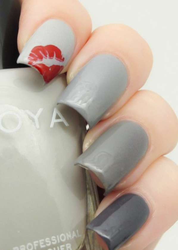 Design Fingernägel bilder grau rot lippen