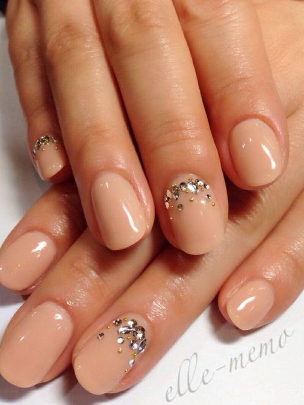 Fingernägel Design bilder hautfarbe