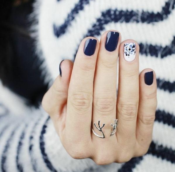 Design bilder kunstvoll Fingernägel weiß akzent