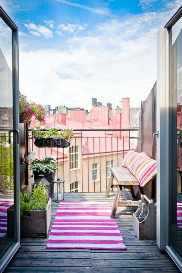 Frühlingsdeko basteln kleiner balkon gestalten streifen
