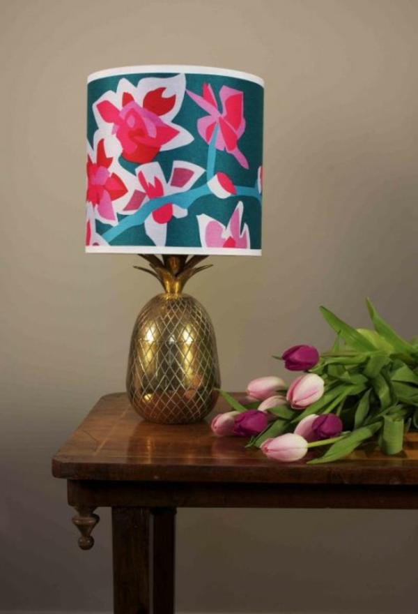 Frühlingsdeko basteln schöne Gartenideen zum Selbermachen tischlampe