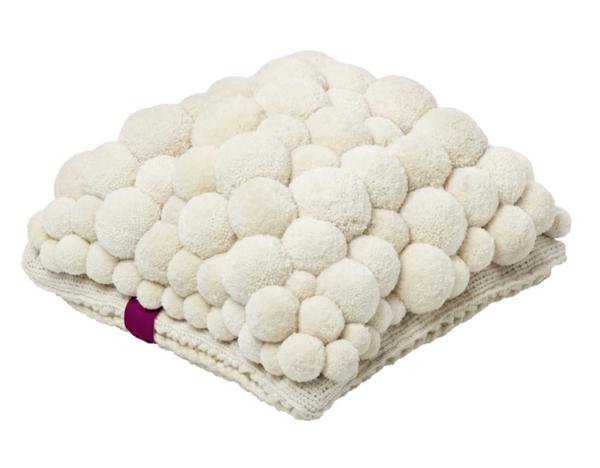 MYK pomponisle designer teppiche und kissen bommel weiß