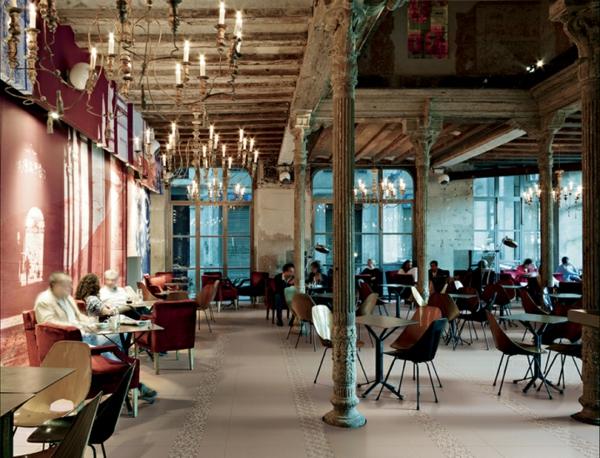 Orchestra restaurant säulen fliesen