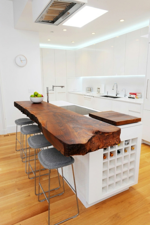 arbeitsplatte küche attraktiv holzstamm weiße kücheninsel