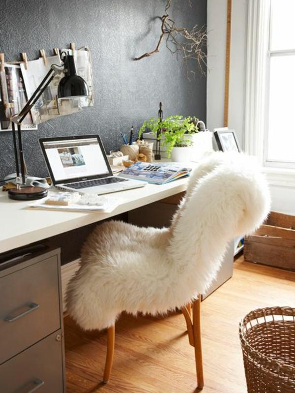 Arbeitszimmer skandinavisch einrichten fellauflagen skandinavische wohnaccessoires