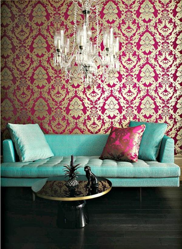 barock tapete wohnzimmer grünes sofa kronleuchter