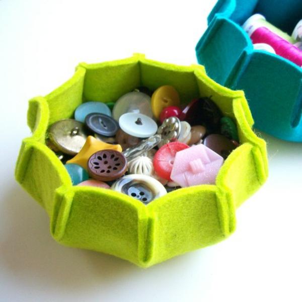 basteln mit filz bastelvorlagen filzen ideen knöpfe grün