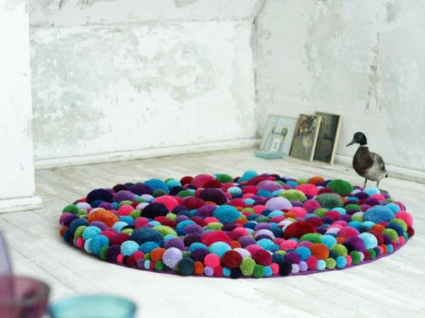 Teppich design bunt  25 aufgefallene Designer Teppiche für jeden Wohnraum
