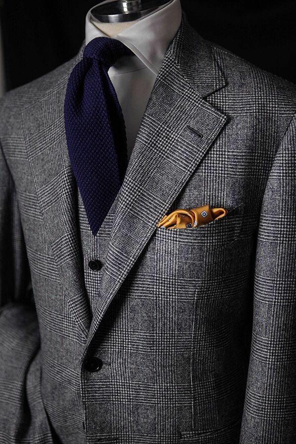 englischer anzug herrenmode blaue krawatte sakko wertvolle stoffe