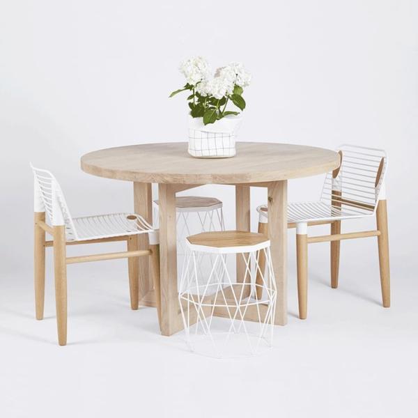 esszimmermöbel massiv esszimmertisch mit stühlen massivholzmöbel The Bondi Round Dining Table