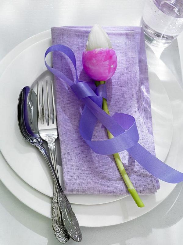 festliche tischdeko ostern tulpe ausgeblasene eier