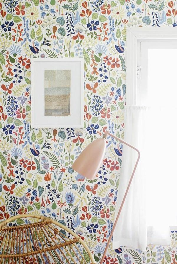 florale tapeten farbig frisch muster wandgestaltung