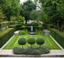 Immergrüne Gartenpflanzen, Sträucher und Hecke für eine brillante Landschaft