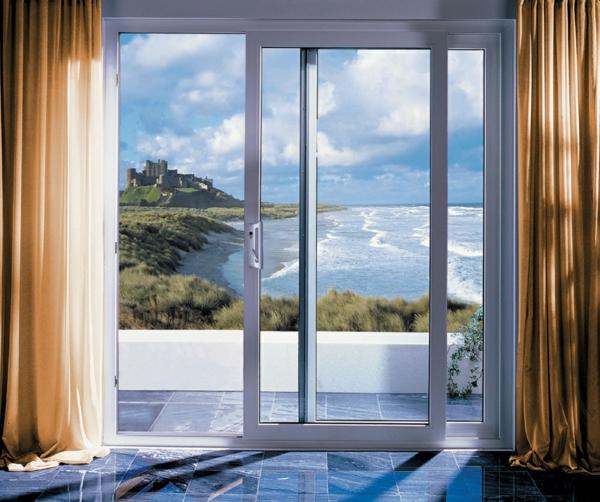 glasschiebetüren terasse weiß praktisch komfortabel
