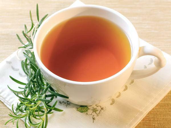 haare gesund pflegen rosmarin tee