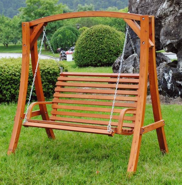 Hollywoodschaukel Holz Sitzbank ~ Ausgelesene Holzschaukel Designs für Ihre Gartengestaltung