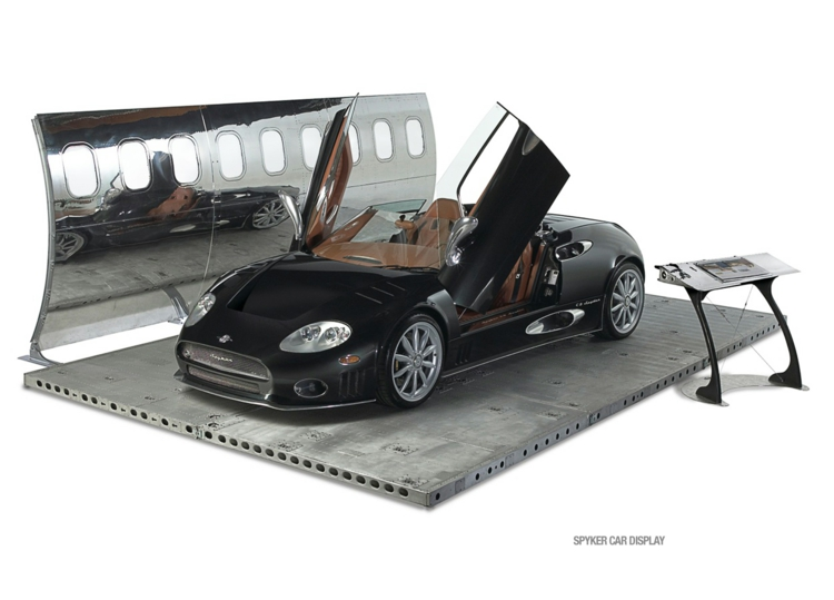 industrial design möbel ausgefallene möbel spyker car display