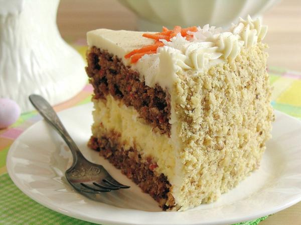 karottenkuchen gemahlene walnüsse weiße glasur geraspelte karotten