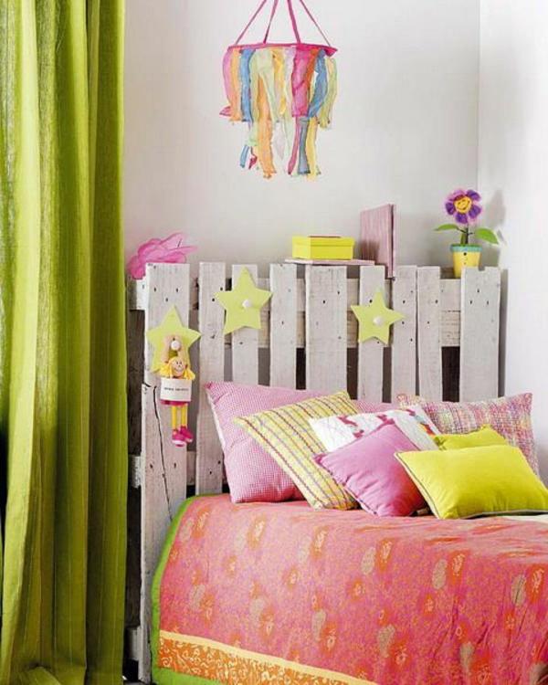 kinderzimmer dekorieren tolles bettkopfteil lange gardinen leuchter