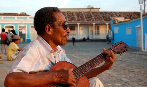 kubanische musik musikant gitarre