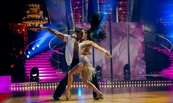 lateinamerikanische tänze bühne paar