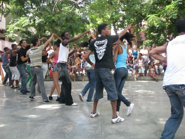 latino musik kubanische salsa straße