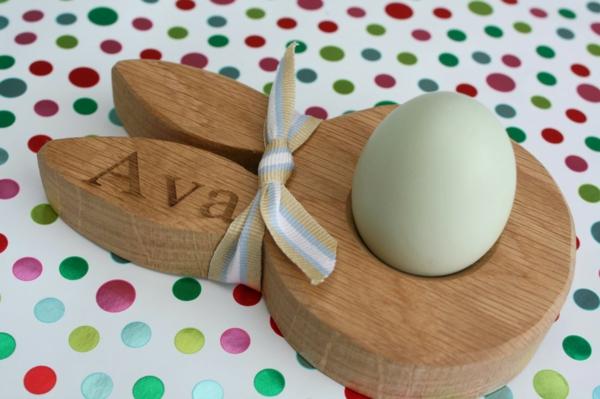 lustige eierbecher holz ostergeschenke Hop&Peck mit namen versehen
