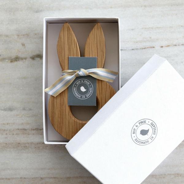 lustige eierbecher holz ostergeschenke Hop&Peck verpackt