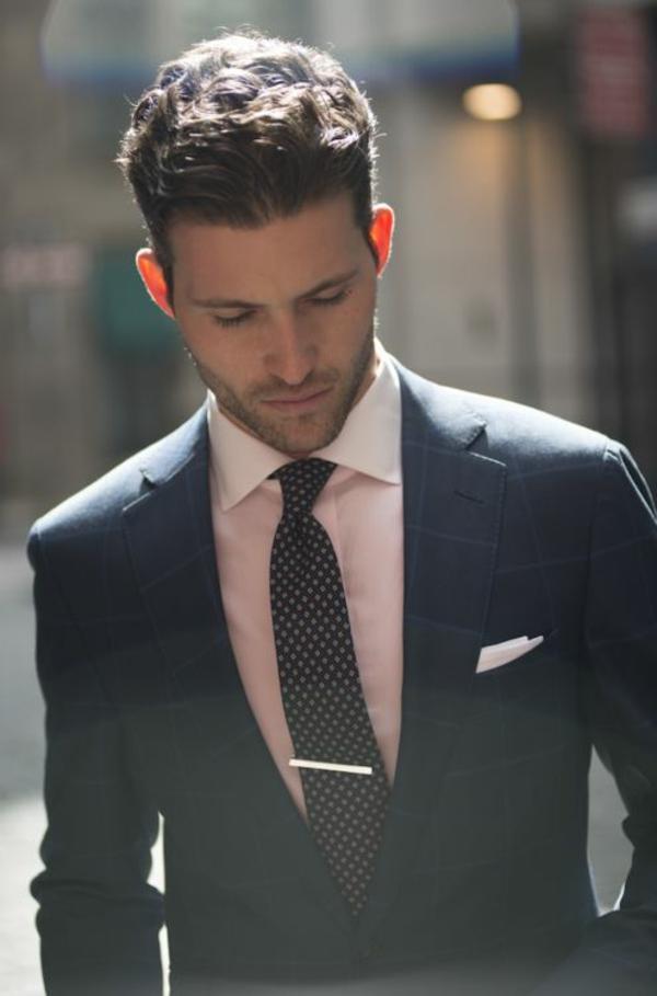 männer anzug rosa hemd herrenmode italienischer anzug