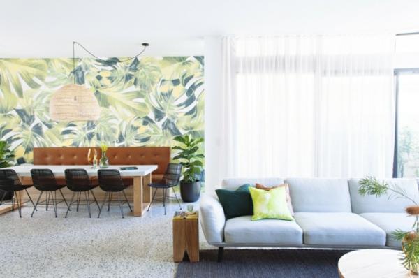 moderne tapeten offener wohnplan mit akzentwand mit floraler tapete