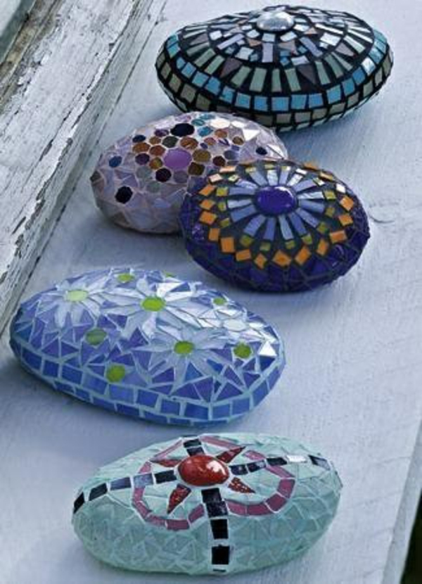 mosaik basteln anleitung garten gestalten oval glatt kiesel