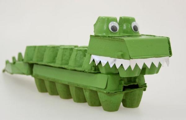 osterdeko basteln diy ideen grüner krokodil