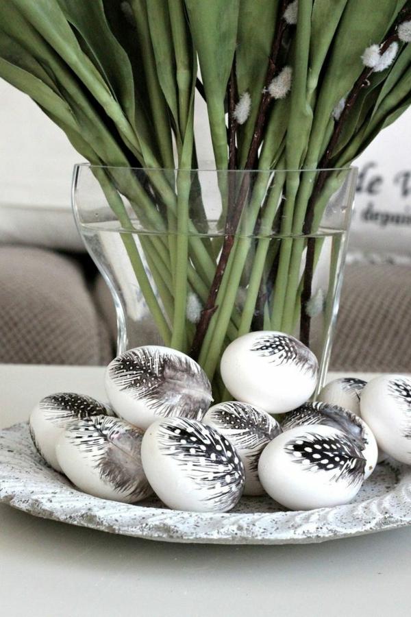 ostereier bilder ostereier gestalten feder schwarz weiß