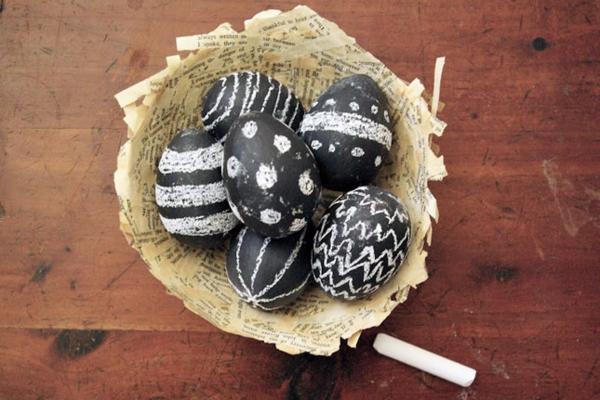 ostereier gestalten schultafel schwarz weiß