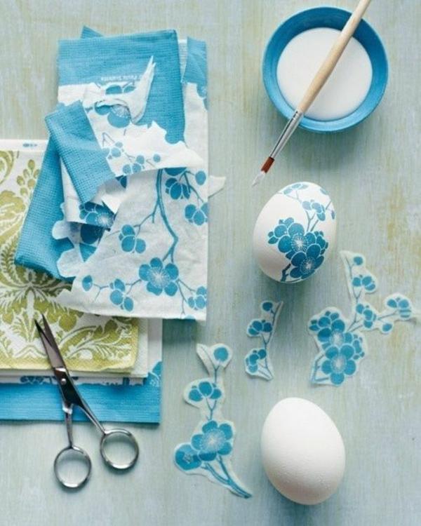 ostereier gestalten serviettentechnik ideen motivservietten blumen blau