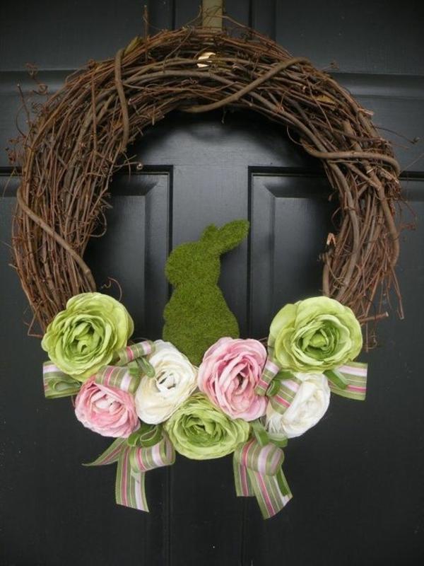 osterkranz selber basteln kreative bastelideen osterhase moos kunstblumen rosen