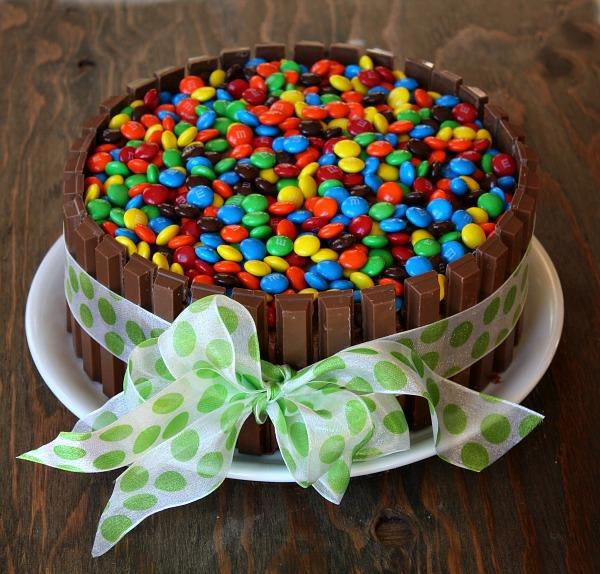 osterkuchen backen bunte bonbons schleife schokolade