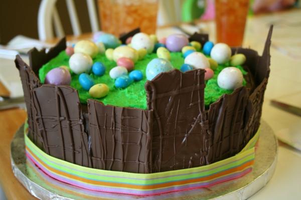 osterkuchen backen dunkle schokolade bunte eier
