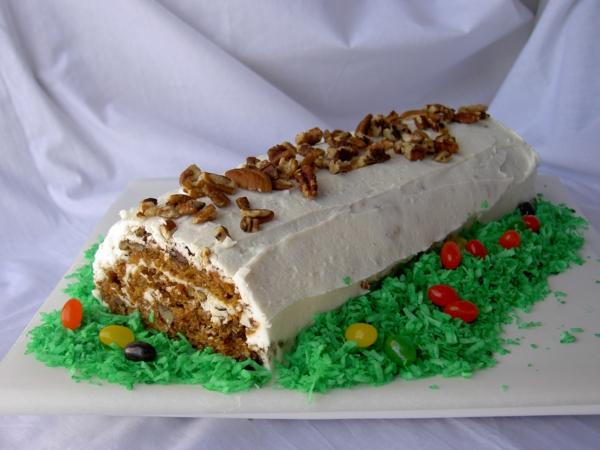 osterkuchen backen rollo walnüsse weiße glasur