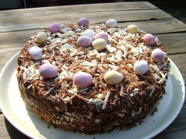 osterkuchen backen wachteleier schokoladen streusel