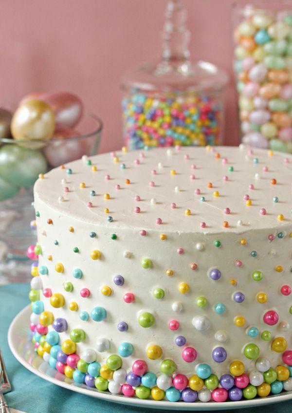 osterkuchen backen weiße glasur glitzer perlen