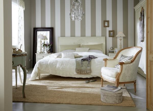 Gestreifte Tapeten Schlafzimmer : neobarock sisalteppich schlafzimmer gestreifte tapeten